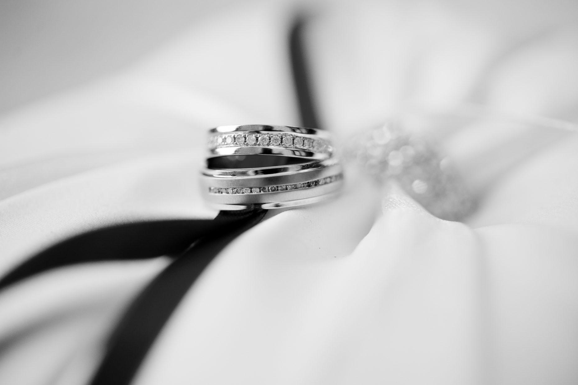 Black and White Wedding Photographer in Cambridge-9008