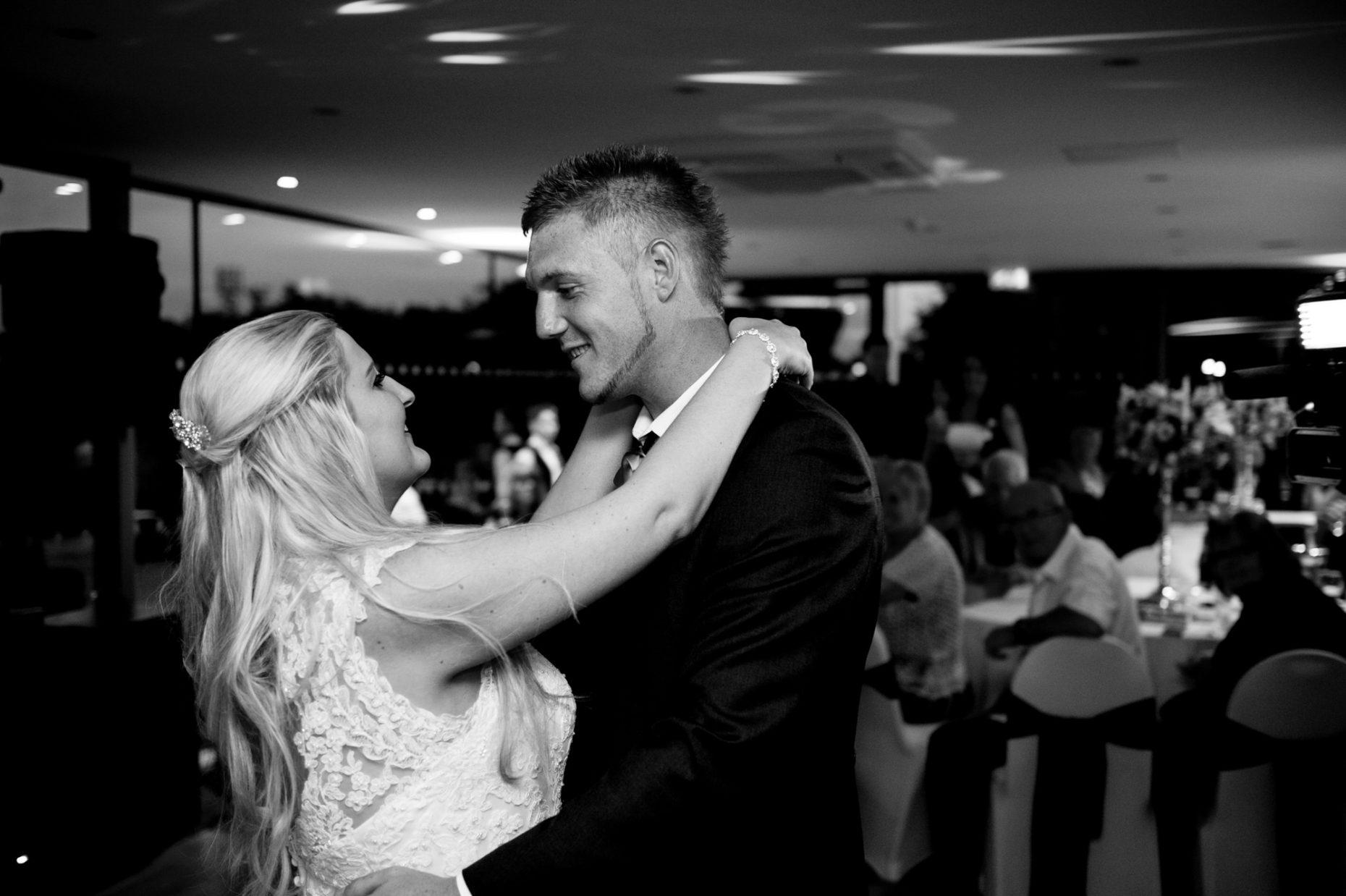Black and White Wedding Photographer in Cambridge-9012