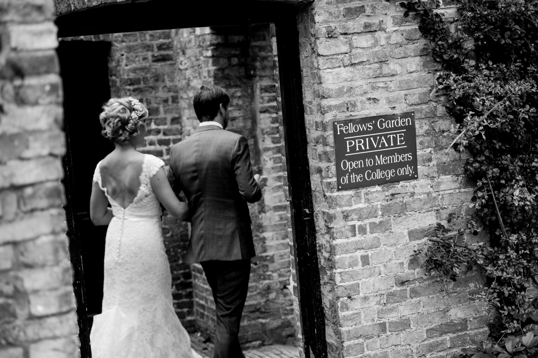 Black and White Wedding Photographer in Cambridge-9030