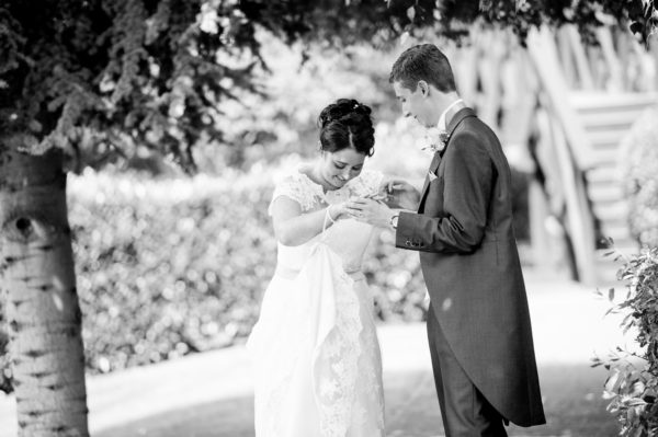 Black and White Wedding Photographer in Cambridge-9010